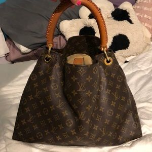 Authentic LV Artsy MM